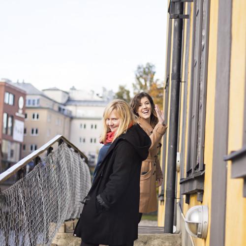 Sanna och Linn i vackra Norrköping